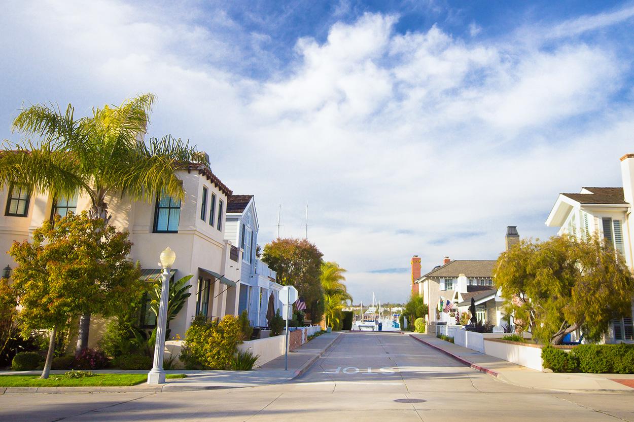 View of California neighborhood near the beach